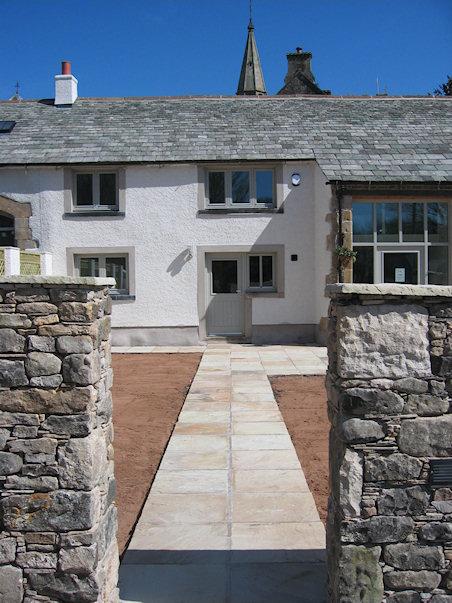 Hall Court - entrance